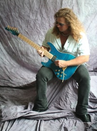 Student review of Tom Hess's online lessons for electric guitar