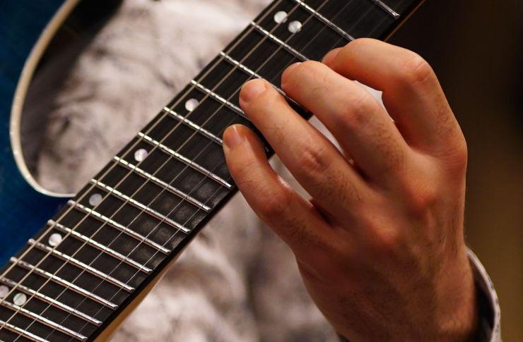 Guitar Fretting Hand Posture