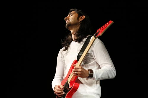 Vishaal Kapoor Online Guitar Lessons Student Of Tom Hess